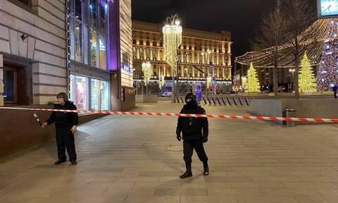 Συναγερμός στη Ρωσία: Ένοπλος άνοιξε πυρ στο κέντρο της Μόσχας - Τρεις νεκροί (pics)