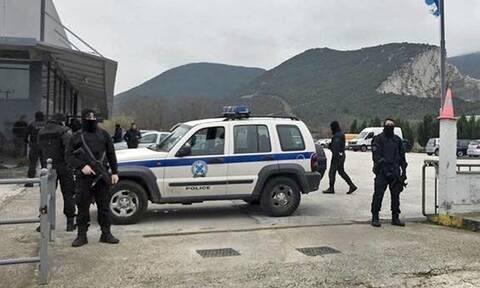 Καβάλα: Μεγάλη αστυνομική επιχείρηση-Αναζητούν 4,2 εκατ. ευρώ σε προαύλιο αντιπροσωπείας αυτοκινήτων