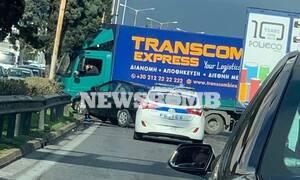 ΤΩΡΑ: Σφοδρό τροχαίο στην Εθνική Οδό - «Κλειστός» ο Κηφισός στο ύψος της Φιλαδέλφειας