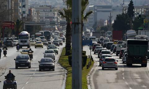 Κίνηση: Απίστευτο μποτιλιάρισμα στην Αθήνα – Ποιους δρόμους να αποφύγετε