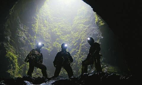 Έφυγαν τρέχοντας: Δείτε τι βρήκαν στη σπηλιά αυτοί οι εξερευνητές!