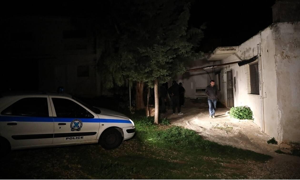 Τραγωδία στα Καλύβια: Η αυτοσχέδια σόμπα «σκότωσε» τους 4 άνδρες – Ήταν δύο μέρες νεκροί