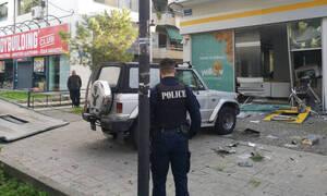 Ληστεία στη Νέα Χαλκηδόνα: Εμβόλισαν την τζαμαρία και ανατίναξαν το ΑΤΜ τράπεζας