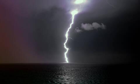 Κακοκαιρία: Σφοδρές καταιγίδες θα χτυπήσουν τη χώρα από ώρα σε ώρα – Ποιες περιοχές θα «πνιγούν»
