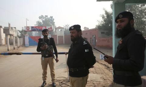 Πακιστάν: Καθηγητής πανεπιστημίου καταδικάστηκε σε θάνατο δι' απαγχονισμό για βλασφημία