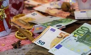 ΟΠΕΚΑ: «Μπαράζ» πληρωμών πριν από τα Χριστούγεννα