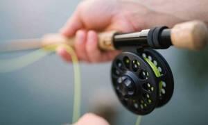 Εφιάλτης για ψαρά: Αυτό που έπιασε με το καλάμι του επιτέθηκε (pics - vid)
