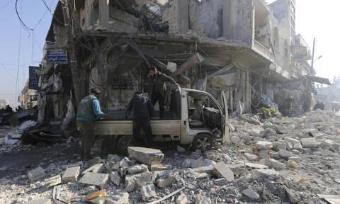 Συρία: Τουλάχιστον 12 άμαχοι σκοτώθηκαν από βομβαρδισμούς στο Ιντλίμπ