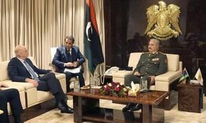Δένδιας σε Χαφτάρ: Οι συμφωνίες της Λιβύης με την Τουρκία είναι αντίθετες στο Διεθνές Δίκαιο