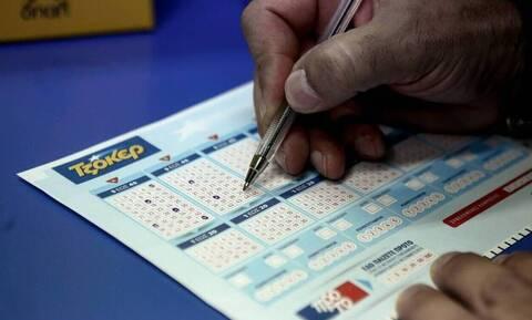 Κλήρωση Τζόκερ (22/12): Αυτοί είναι οι αριθμοί που κερδίζουν τα 4,3 εκατ. ευρώ
