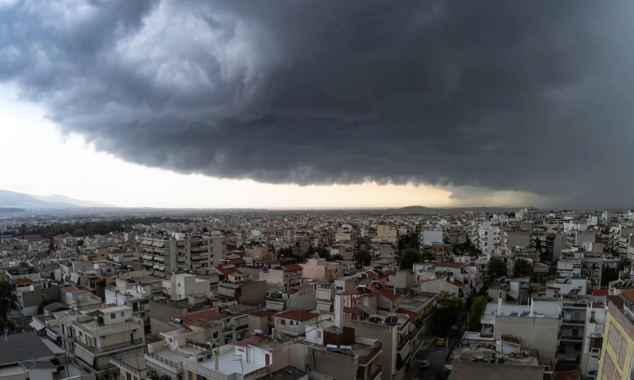 Έκτακτο δελτίο ΕΜΥ: Ήπειρο, Κρήτη και Αττική σάρωσε η κακοκαιρία - Πού θα «χτυπήσει» η σήμερα