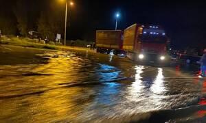 Κακοκαιρία: Πλημμύρες και ζημιές στην Άρτα από τις καταρρακτώδεις βροχές (pics&vid)