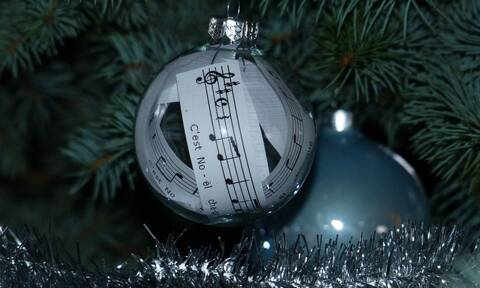 Αυτό το διάσημο χριστουγεννιάτικο τραγούδι παραλίγο να μην ηχογραφηθεί ποτέ! (vids)