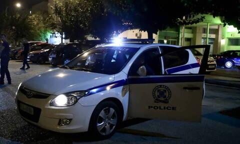 Ληστεία σε κοσμηματοπωλείο στη Δάφνη - Εμβόλισαν την τζαμαρία με αυτοκίνητο (pics)