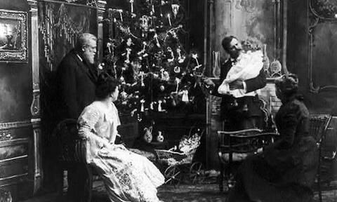 Πότε και πού στολίστηκε το πρώτο χριστουγεννιάτικο δέντρο στην Ελλάδα