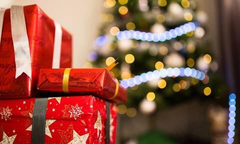 Χριστούγεννα: Της έδωσαν το «χειρότερο» δώρο και η αντίδραση της έχει γίνει viral