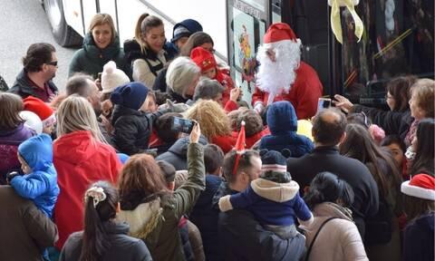 Χριστούγεννα 2019: Με το λεωφορείο του ΚΤΕΛ πήγε ο Άγιος Βασίλης στην Κοζάνη