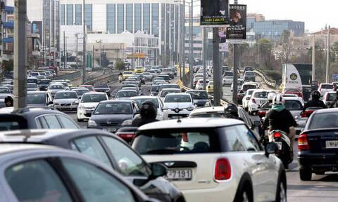 Καραμπόλα έξι οχημάτων στην Αττική Οδό - Μεγάλες καθυστερήσεις