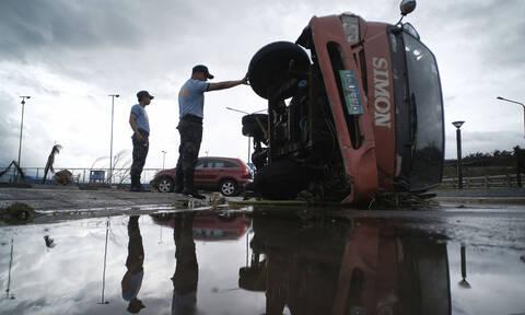 Ο τυφώνας Φανφόν καταστρέφει τα Χριστούγεννα των Φιλιππινέζων