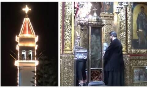 Χριστούγεννα στη Ζάκυνθο: Με κανονιές η περιφορά του ιερού σκηνώματος του Αγ. Διονυσίου (vid)