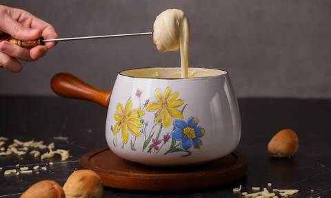 Η συνταγή της ημέρας: Φοντύ (fondue) τυριών