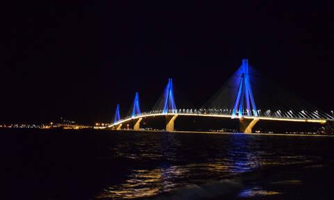 Χριστούγεννα 2019: Εντυπωσιακές εικόνες από τη γιορτινή φωταγώγηση της γέφυρας Ρίου - Αντιρρίου