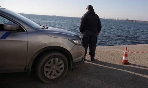 Στη θάλασσα έπεσε αυτοκίνητο μετά από επικίνδυνο ελιγμό – Προσπάθησε να αποφύγει ζώο ο οδηγός