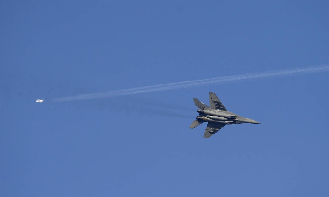 Συντριβή μαχητικού αεροσκάφους στο Ιράν – Νεκροί οι πιλότοι