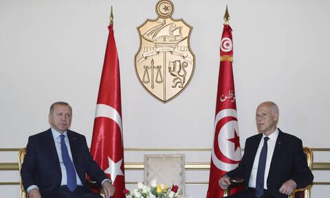 Επιμένει στις προκλήσεις ο Ερντογάν: Τι δουλειά έχει η Ελλάδα με τη Λιβύη;