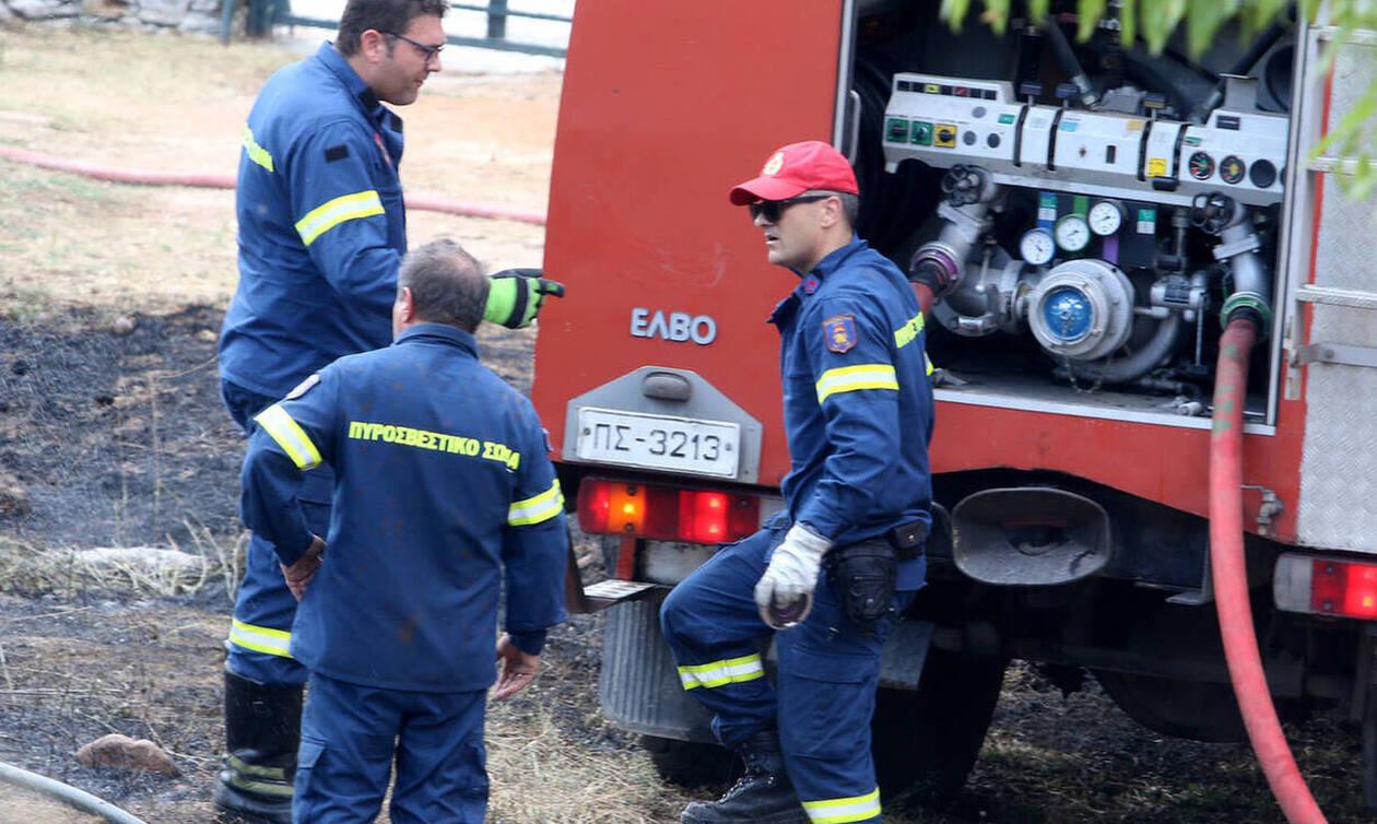 Ηράκλειο: Τυλίχθηκαν στις φλόγες φορτηγά - Έρευνες για εμπρησμό πίσω από την φωτιά