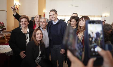 ΣΥΡΙΖΑ: Σαντορινιός - Μόνο για τις φωτογραφίες πήγε στην Κάσο ο Κυριάκος Μητσοτάκης