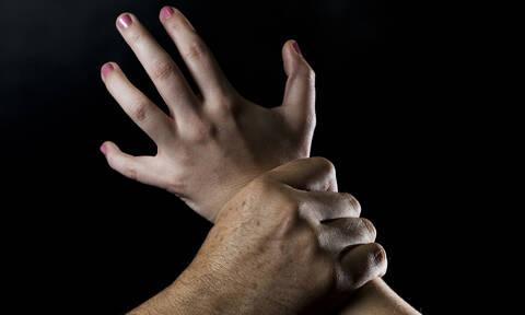 Εφιάλτης για 37χρονη στη Λευκάδα: Την βίαζαν και την εξέδιδαν για να παίρνουν χρήματα