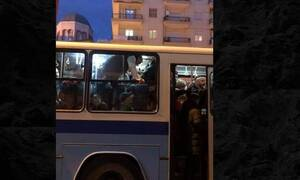 Εικόνες ντροπής σε λεωφορείο στη Θεσσαλονίκη (pics)