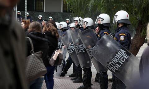 Κάμερες στους αστυνομικούς βάζει ο Χρυσοχοΐδης - Στόχος η «ακριβής αποτύπωση των περιστατικών»
