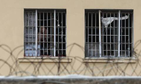 Άθλιες συνθήκες στις φυλακές Δομοκού καταγγέλλουν οι φύλακες - Στο πάτωμα κοιμούνται οι κρατούμενοι