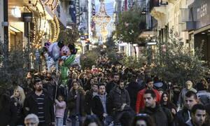 Εορταστικό ωράριο: Πώς θα λειτουργήσουν σήμερα Σάββατο (28/12) τα καταστήματα