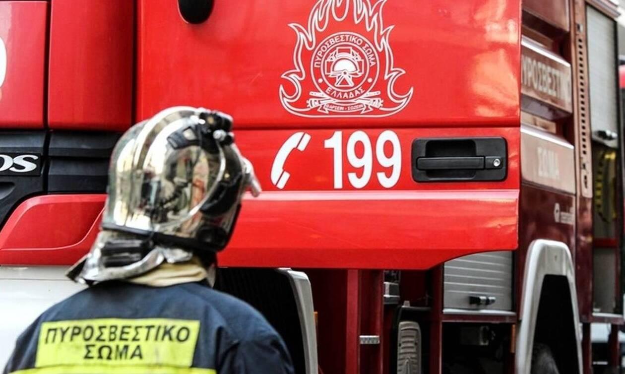 Εμπρησμός αυτοκινήτων στο κέντρο της Αθήνας (pic)