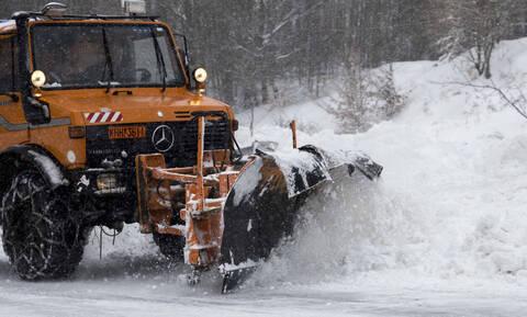 Κακοκαιρία: Διακοπή κυκλοφορίας σε Πάρνηθα και Πεντέλη λόγω χιονόπτωσης