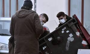 Πετράλωνα: Ραγδαίες εξελίξεις στο θρίλερ - Εντοπίστηκε η μητέρα του «δράστη» - Σαρώνουν τη χωματερή