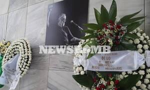 В Афинах прощаются с композитором Таносом Микруцикосом
