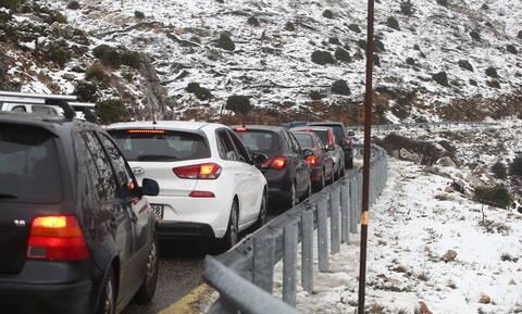 Κακοκαιρία: Αυτοί οι δρόμοι είναι ΤΩΡΑ κλειστοί - Πού χρειάζονται αντιολισθητικές αλυσίδες