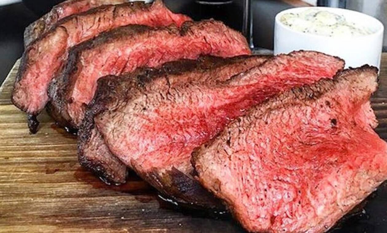 Αν η κοκκινίλα στο κρέας δεν είναι αίμα τότε τι είναι;