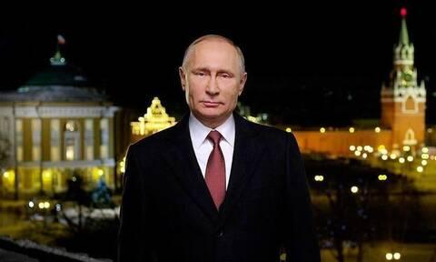 Путин в новогоднем обращении выразил уверенность в успешном развитии России
