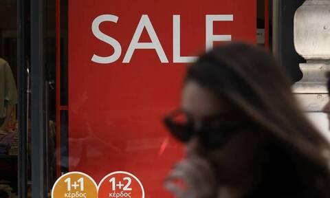 Ωράριο καταστημάτων: Πότε ανοίγουν τα μαγαζιά - Πότε ξεκινούν οι εκπτώσεις