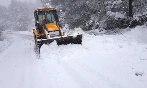 Νέα κακοκαιρία «χτυπάει» την Ελλάδα - Έρχονται χιόνια και στην Αττική (pics&vid)