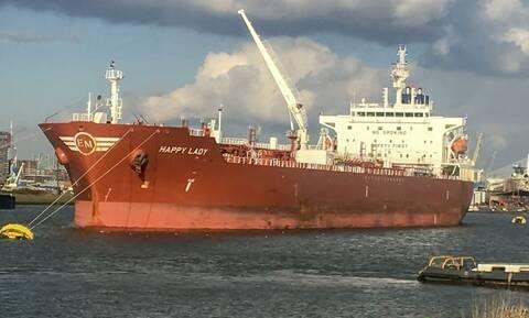 Καμερούν: Ώρες αγωνίας για τους ομήρους Έλληνες ναυτικούς - Τι κατέγραψαν οι κάμερες του πλοίου
