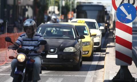Ευρωβαρόμετρο: Το 50% των Ελλήνων οδηγεί επικίνδυνα!