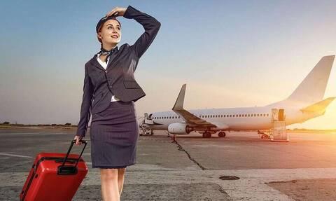 Κοιτάζεις τις αεροσυνοδούς στο αεροπλάνο; Αυτό δεν το έχεις προσέξει με τίποτα!