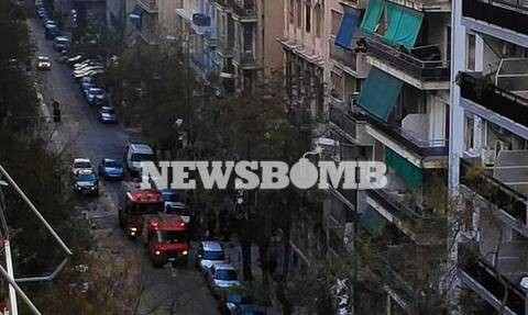 Φωτιά σε κτήριο στο κέντρο της Αθήνας