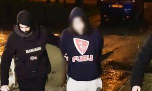 Πετράλωνα: Στον ανακριτή ο 21χρονος που ομολόγησε ότι σκότωσε και τεμάχισε τον νονό του